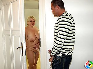 The delicious mature babe with the blonde hair seduces her son in law for hard sex
